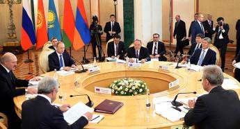 Евразийский экономический союз начинает действовать в 2015 году.